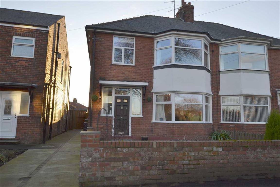3 Bedrooms Semi Detached House for sale in St Marys Walk, Bridlington, YO16