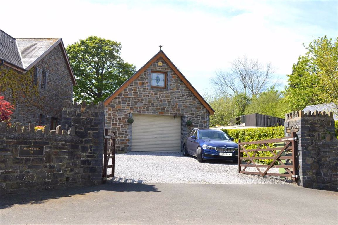 44 Station Road, Llanmorlais, Swansea, SA4 3TF