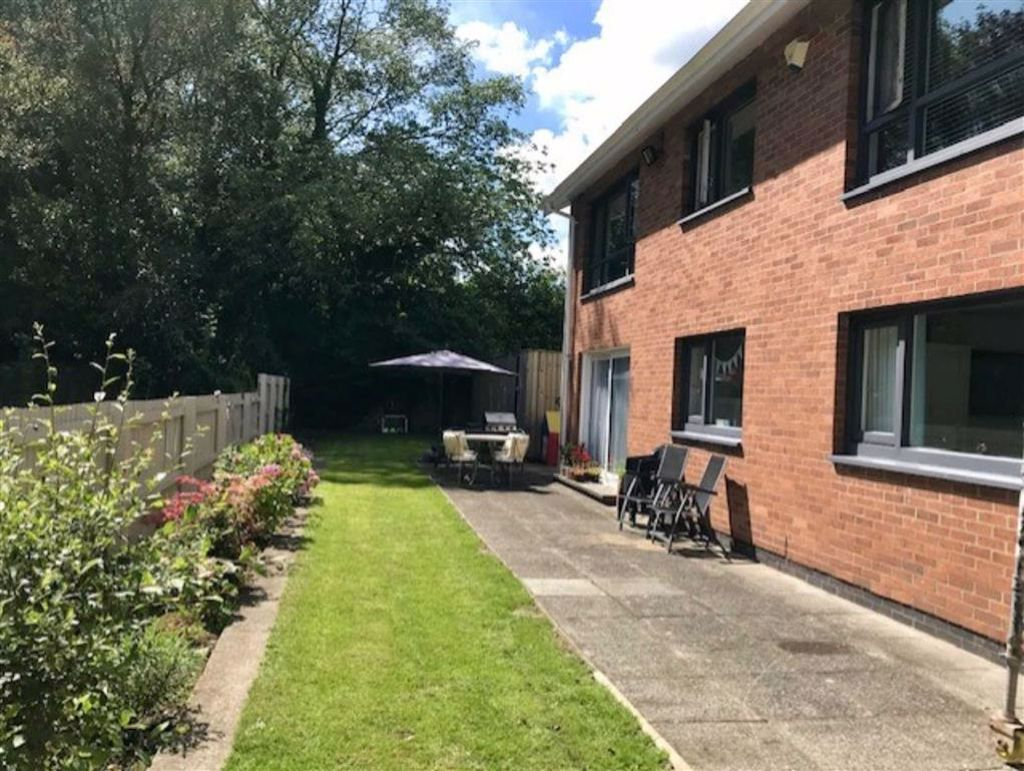 The Bryn, Swansea, SA2, SA2 8DD