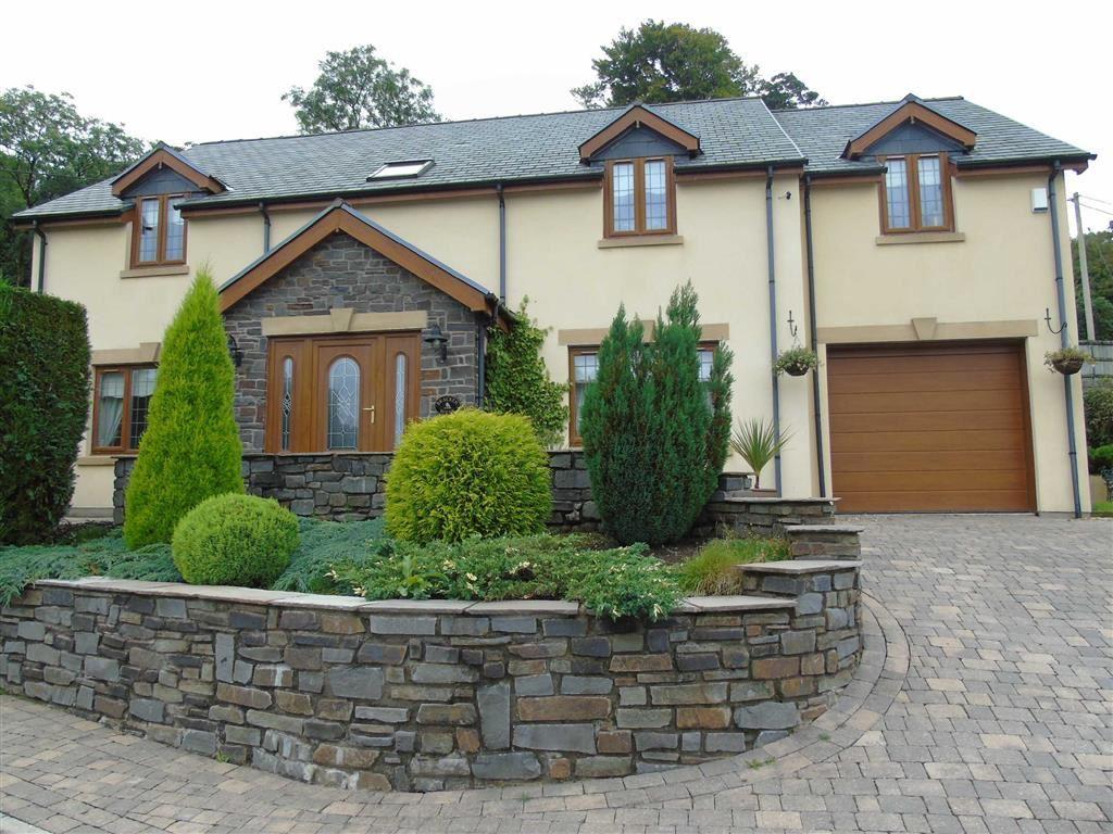 Bracken House, Llannon, Llanelli