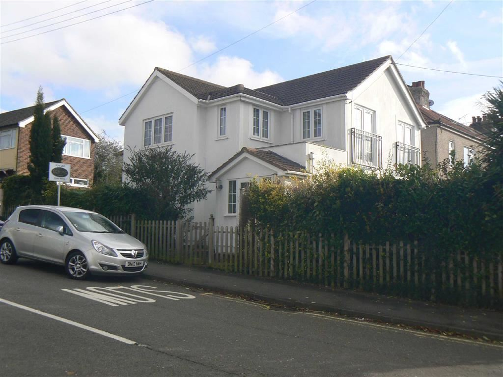4 Bedrooms Detached House for sale in Vine Road, Green Street Green