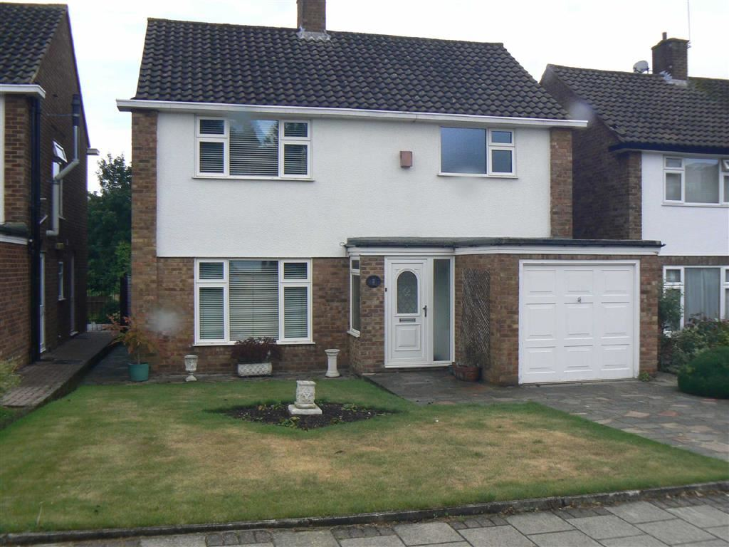 3 Bedrooms Detached House for sale in Green Farm Close, Green Street Green