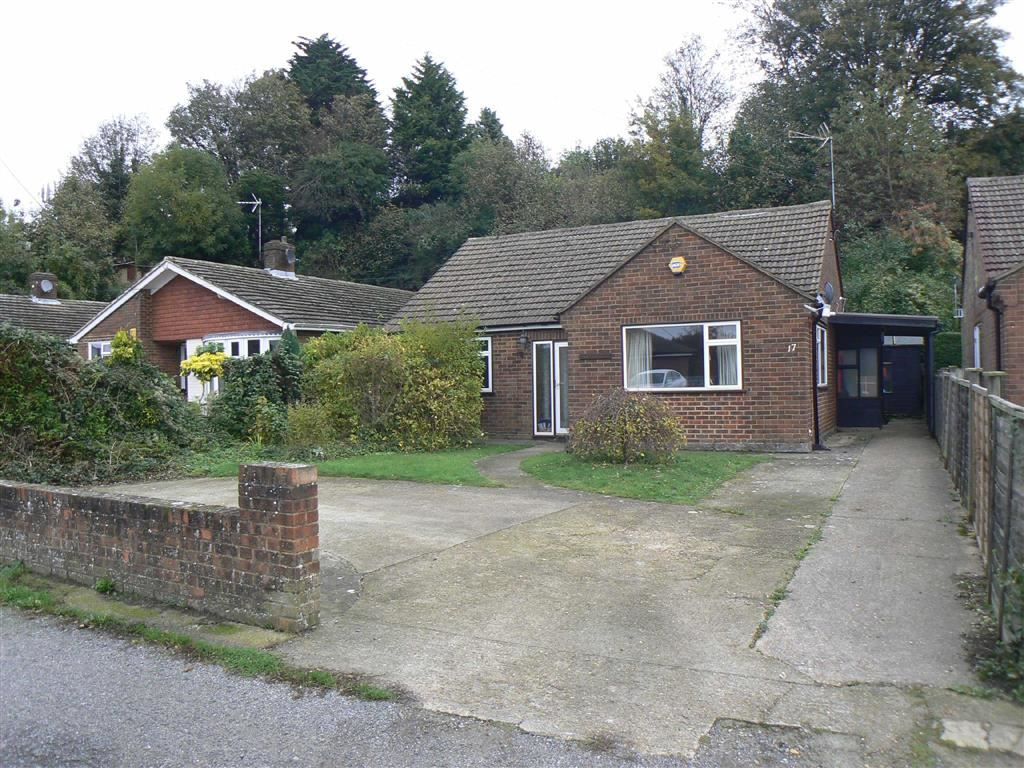 2 Bedrooms Detached Bungalow for rent in Hillcrest Road, Biggin HIll