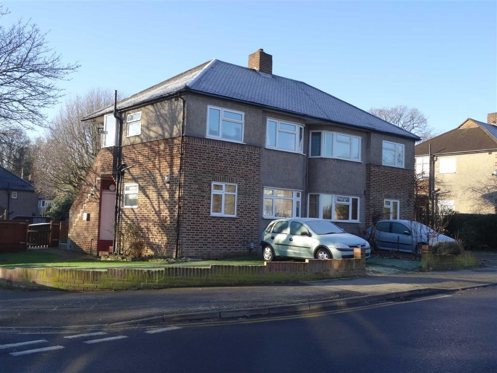 2 Bedrooms Flat for rent in Shepperton Road, Petts Wood