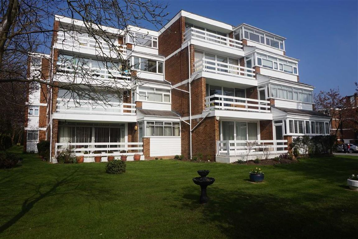 2 Bedrooms Property for sale in Florida Court, 76 Westmoreland Road, Bromley