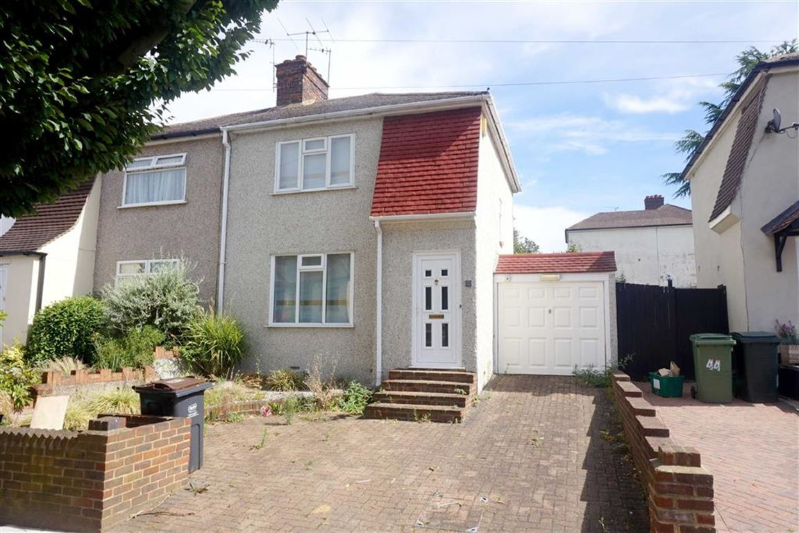 3 Bedrooms Property for sale in Walden Avenue, Chislehurst