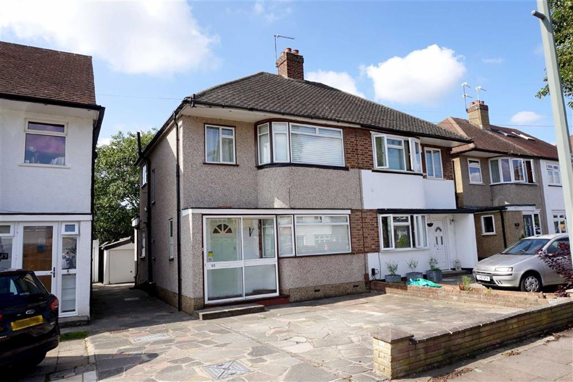 3 Bedrooms Semi Detached House for sale in Constance Crescent, Bromley