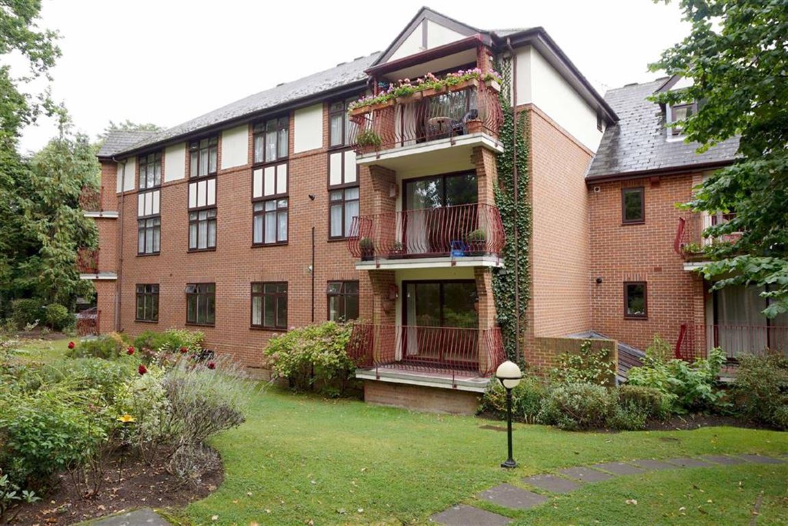 2 Bedrooms Flat for sale in Woodlands, 29 Durham Avenue, Bromley