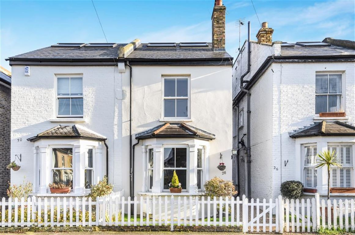 5 Bedrooms Semi Detached House for sale in Thorpe Road, Kingston Upon Thames
