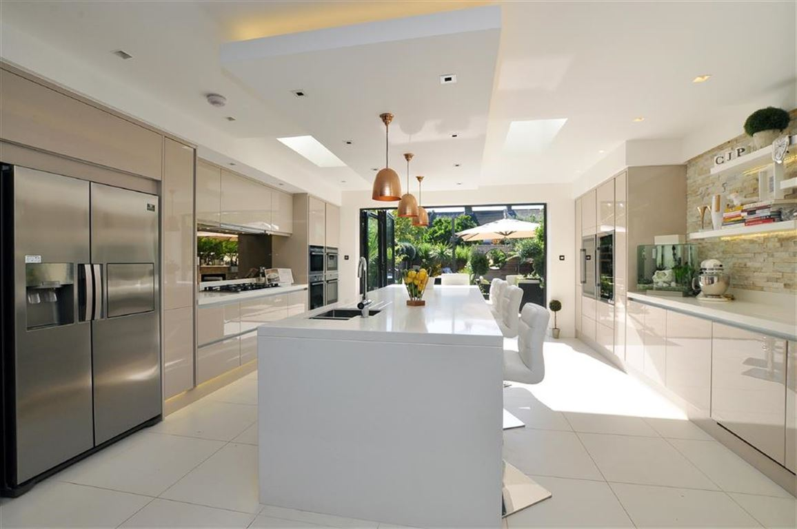 4 Bedrooms Detached House for sale in Glenville Road, Kingston Upon Thames