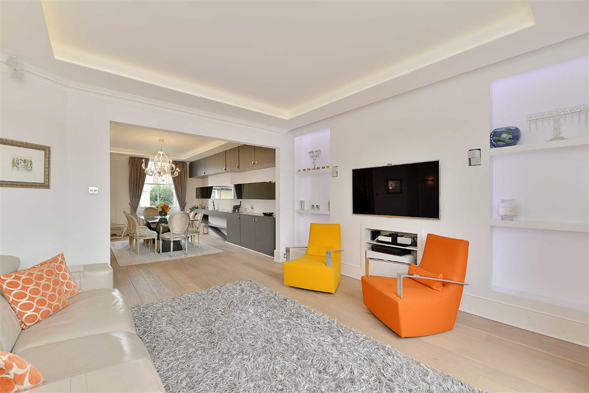 3 Bedrooms Flat for sale in Clifton Hill, London, NW8