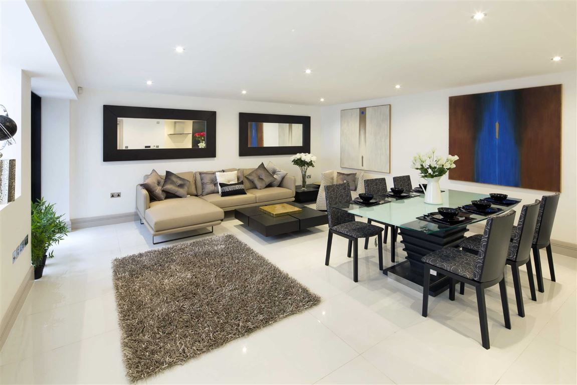 3 Bedrooms Terraced House for sale in Whittlebury Mews, London, NW1
