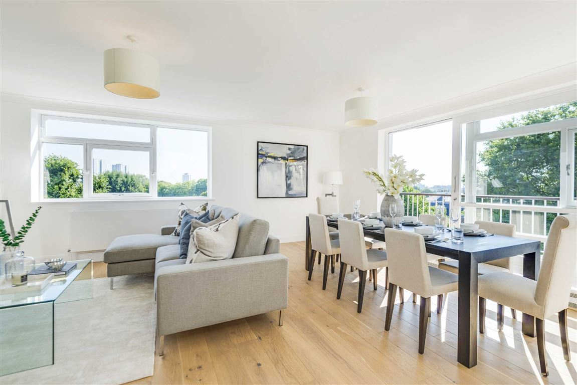 3 Bedrooms Flat for sale in Walsingham, London, NW8