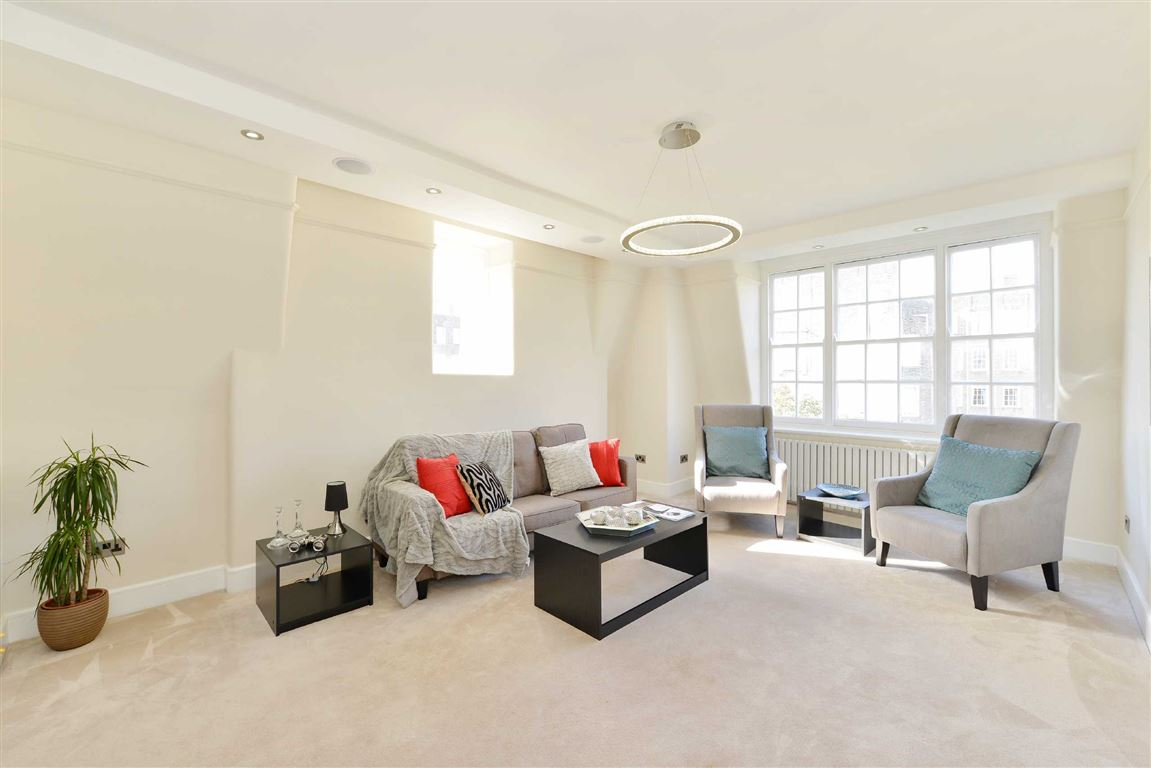 3 Bedrooms Flat for sale in Circus Lodge, London, NW8