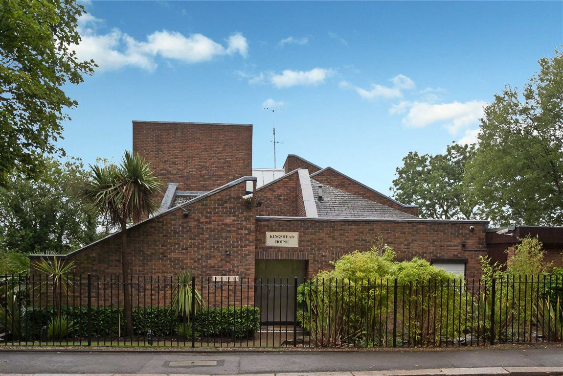 4 Bedrooms House for sale in The Ridgeway, London, NW7