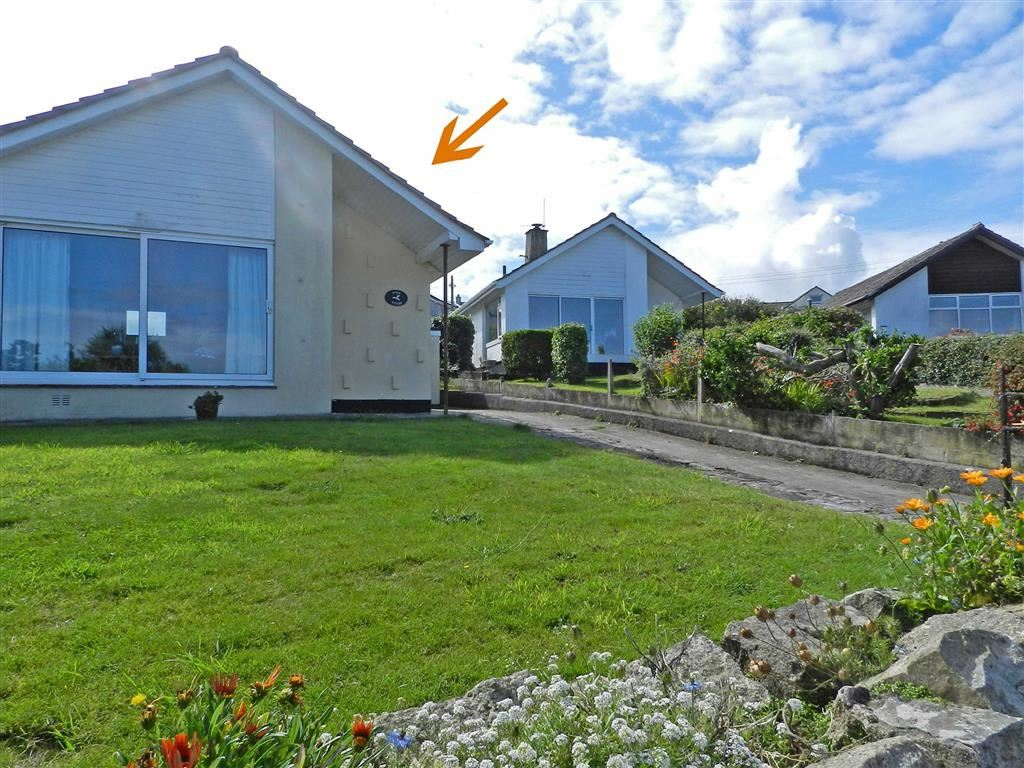 3 Bedrooms Detached Bungalow for sale in Boskerris Crescent, Carbis Bay