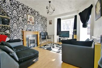 Property image of home to let in Lawrence Close, White City