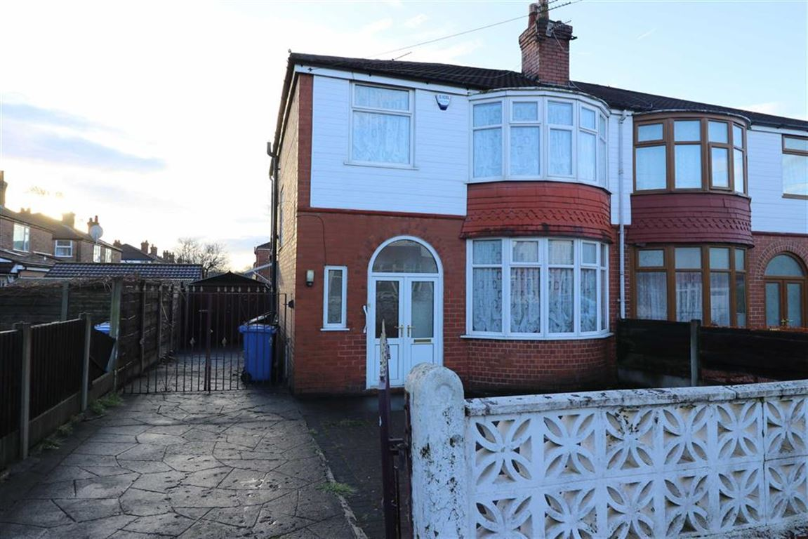3 Bedrooms Semi Detached House for sale in Navenby Avenue, Old Trafford, Trafford, M16