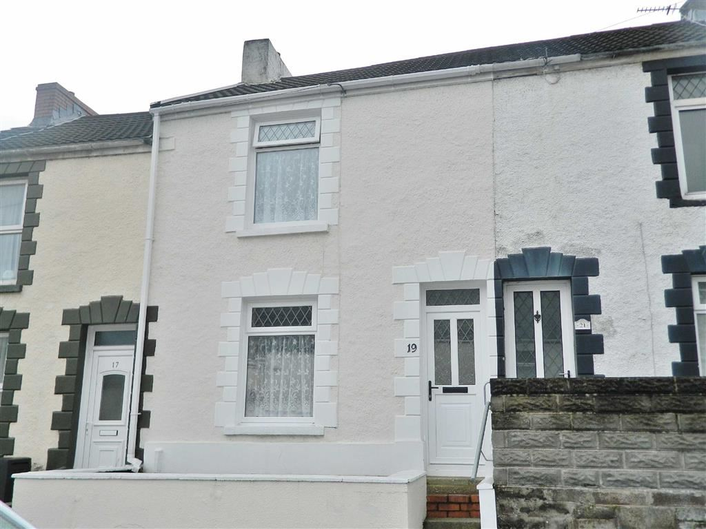 2 Bedrooms Terraced House for sale in Fern Street, Cwmbwrla