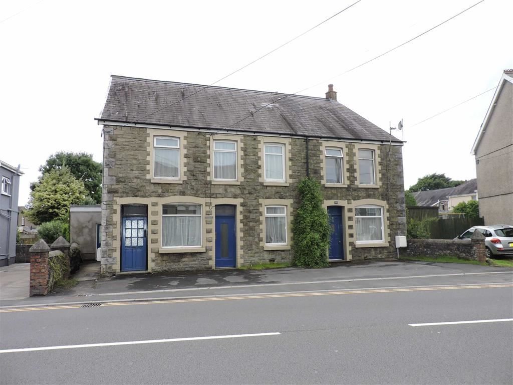 4 Bedrooms Semi Detached House for sale in Ammanford Road, Llandybie