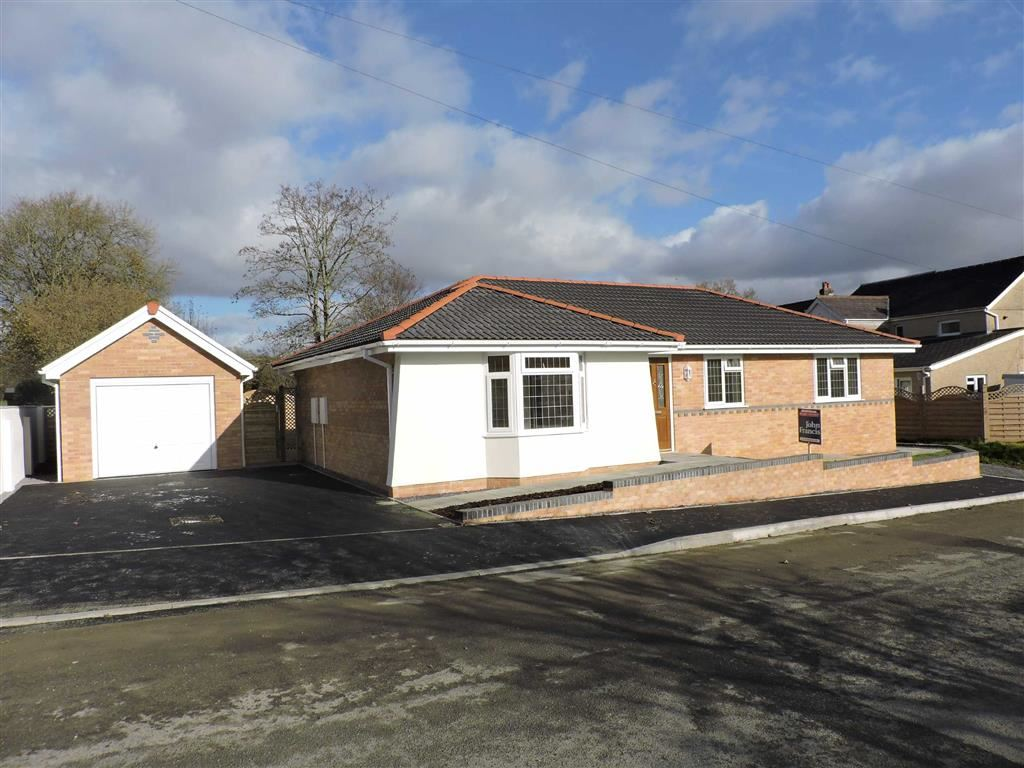 3 Bedrooms Detached Bungalow for sale in Aberlash Road, Bonllwyn