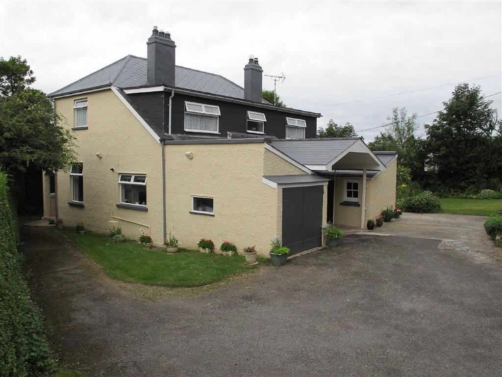 3 Bedrooms Property for sale in Aberystwyth Road, CARDIGAN
