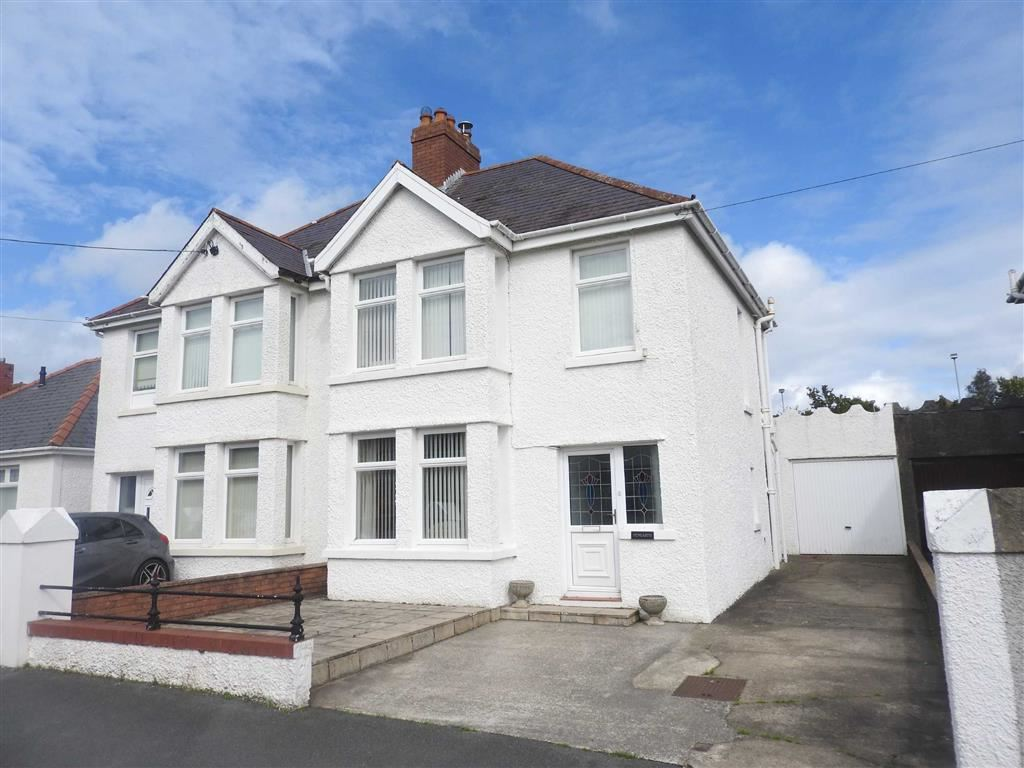 3 Bedrooms Semi Detached House for sale in Feidrhenffordd, CARDIGAN