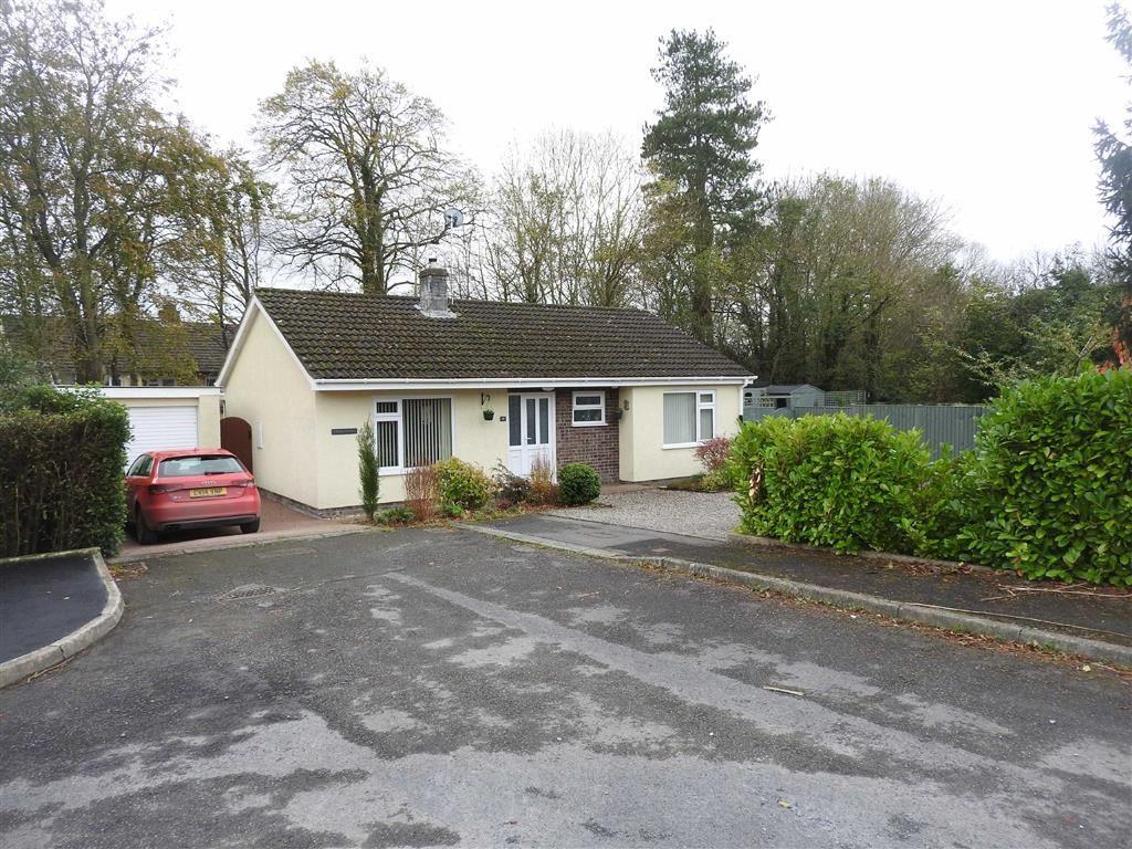 2 Bedrooms Detached Bungalow for sale in Gelliwen, Llechryd, Cardigan