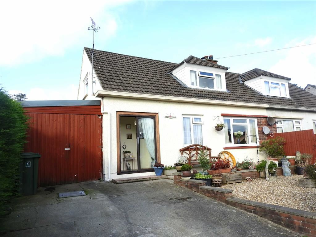 2 Bedrooms Semi Detached House for sale in Maesyderi, Llechryd