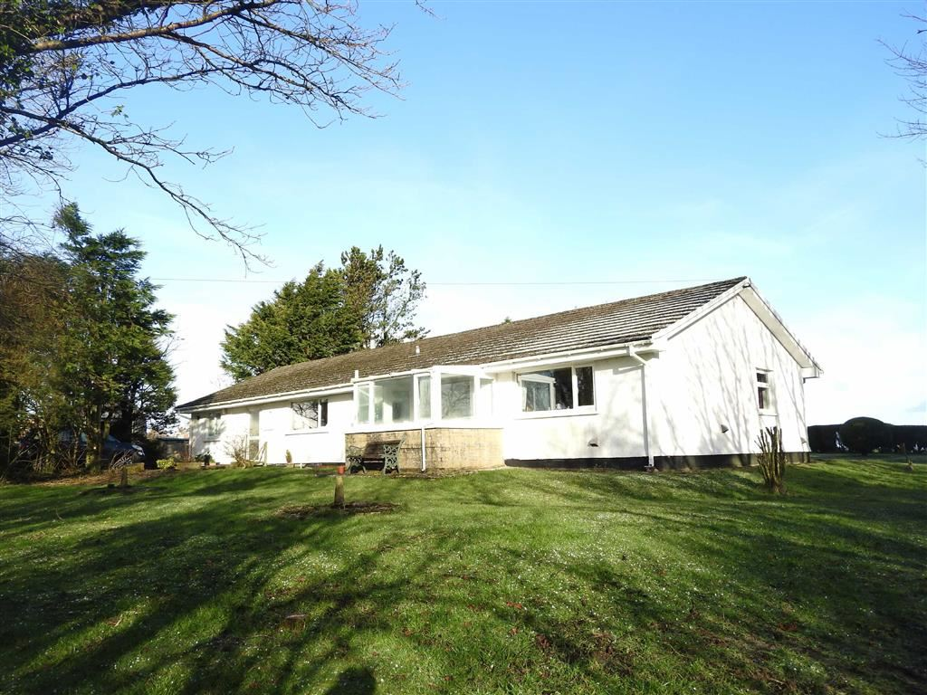 4 Bedrooms Detached Bungalow for sale in Tegryn, Llanfyrnach