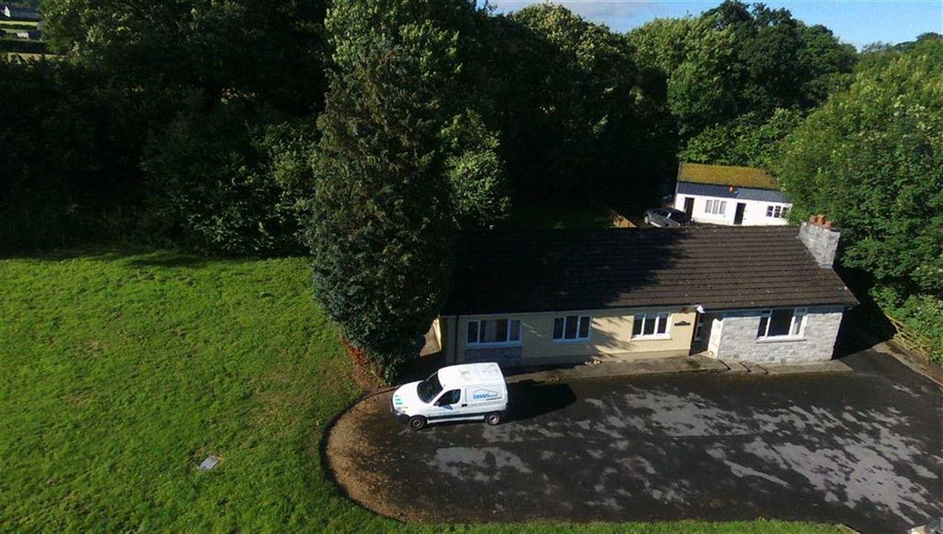 3 Bedrooms Property for sale in Cwmffrwd, Carmarthen