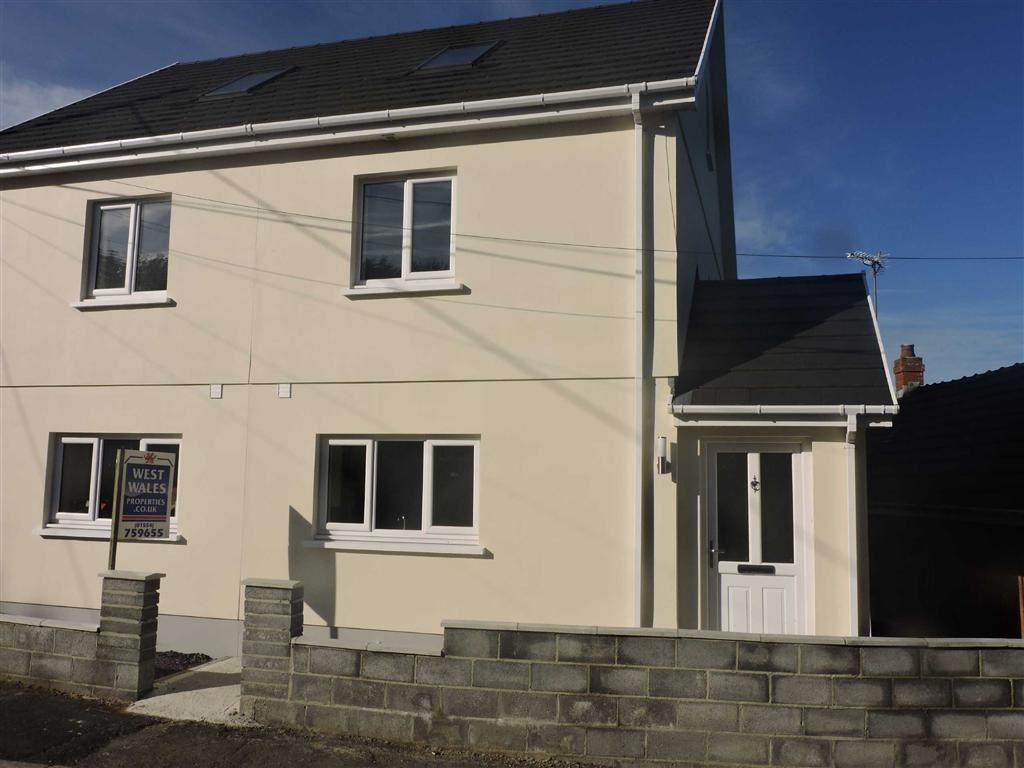 4 Bedrooms Property for sale in Heol Y Pentre, Ponthenry, Llanelli