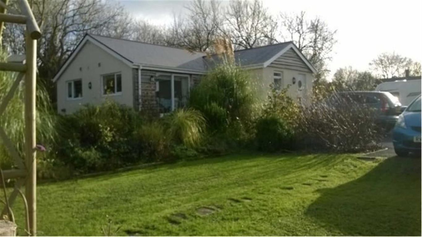 3 Bedrooms Detached Bungalow for sale in Monksford Street, Kidwelly