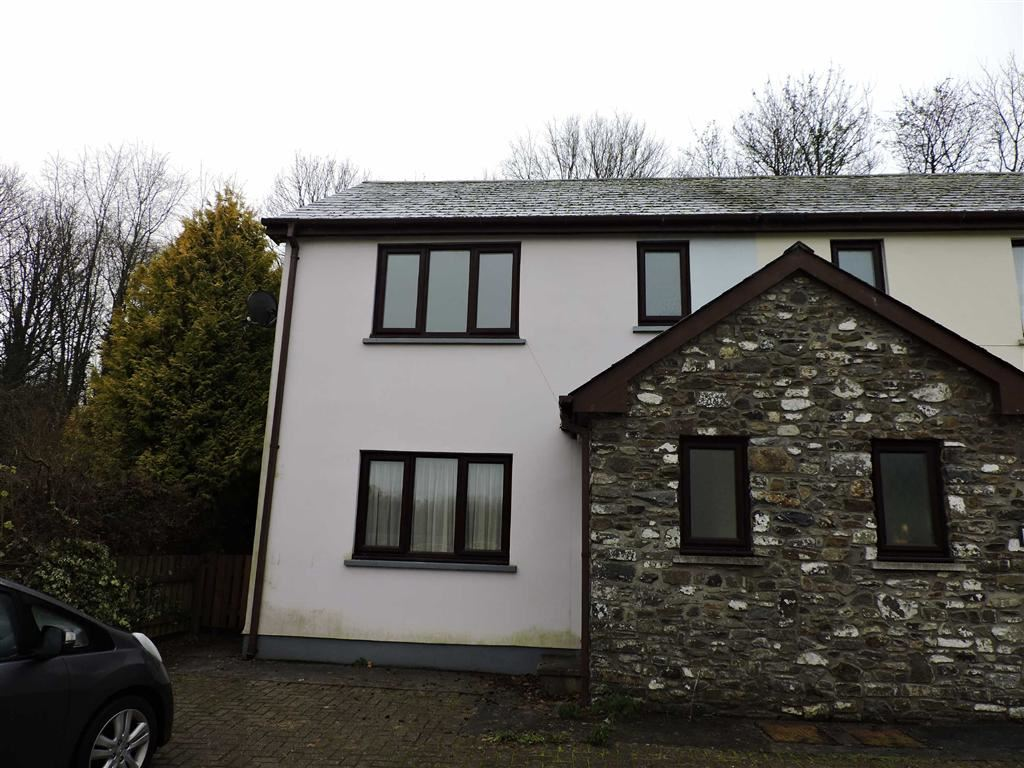 2 Bedrooms Semi Detached House for sale in Old Llansteffan Road, Johnstown