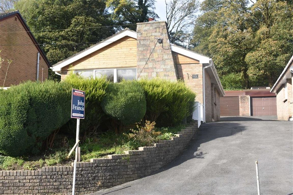 3 Bedrooms Detached Bungalow for sale in Llanedi Road, Fforest, Pontarddulais