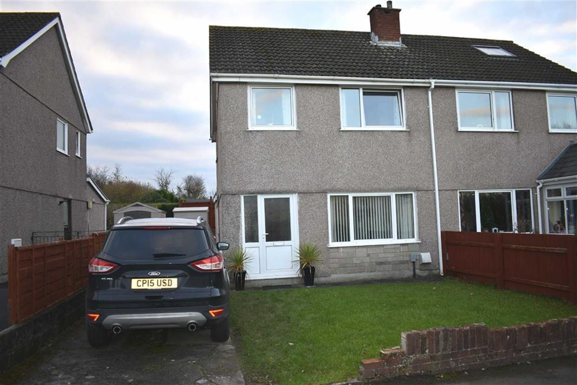 3 Bedrooms Semi Detached House for sale in Penuel Close, Gorseinon