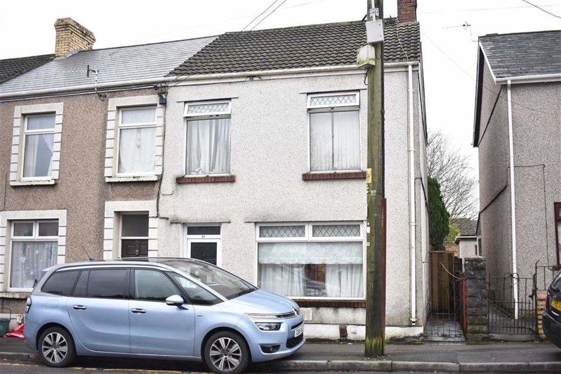 3 Bedrooms End Of Terrace House for sale in Loughor Road, Gorseinon