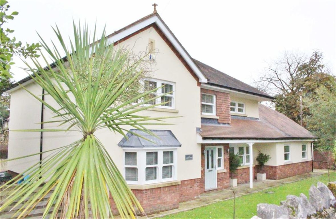 4 Bedrooms Detached House for sale in Caswell Road, Caswell