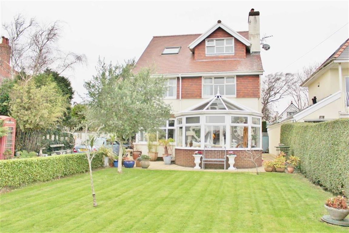 5 Bedrooms Detached House for sale in Higher Lane, Langland