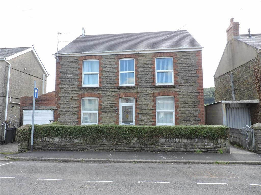 3 Bedrooms Detached House for sale in Grove Road, Pontardawe