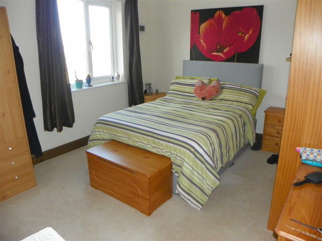 2 Bedrooms Flat for sale in Pembroke Street, Pembroke Dock