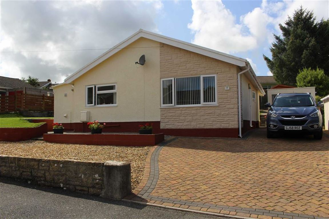 2 Bedrooms Property for sale in Grove Drive, Pembroke