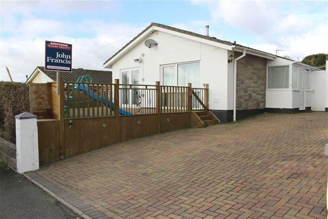 3 Bedrooms Detached Bungalow for sale in Albany Street, Pembroke Dock