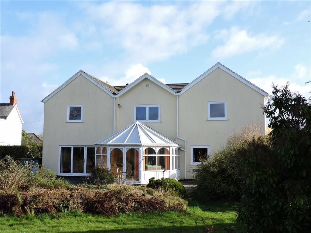 5 Bedrooms Detached House for sale in St Davids Road, Letterston, Haverfordwest