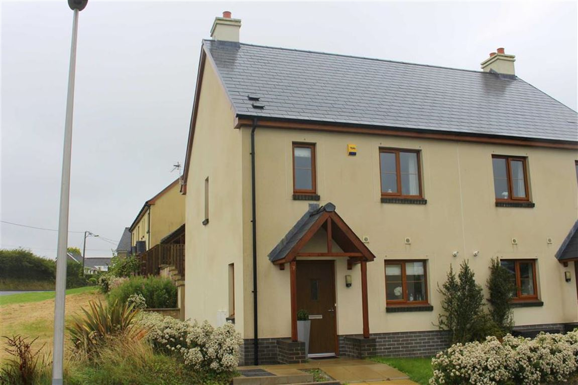 3 Bedrooms Semi Detached House for sale in Coppins Park, Pentlepoir, Saundersfoot