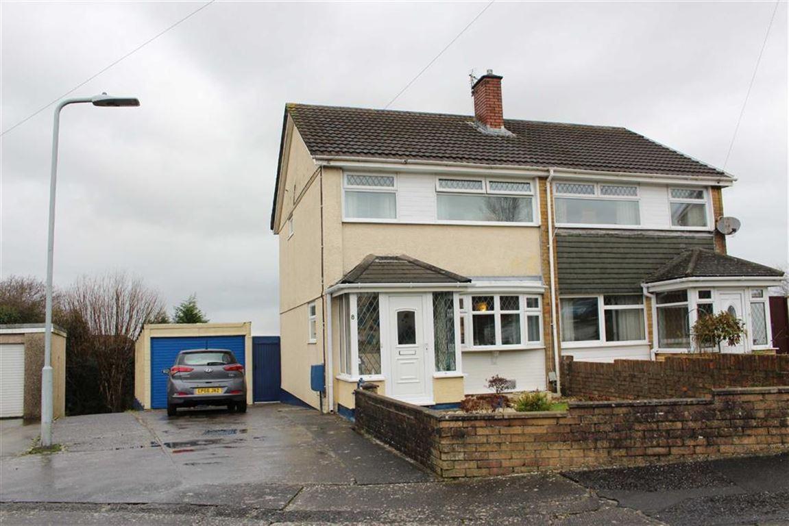 3 Bedrooms Semi Detached House for sale in Bevan Way, Waunarlwydd