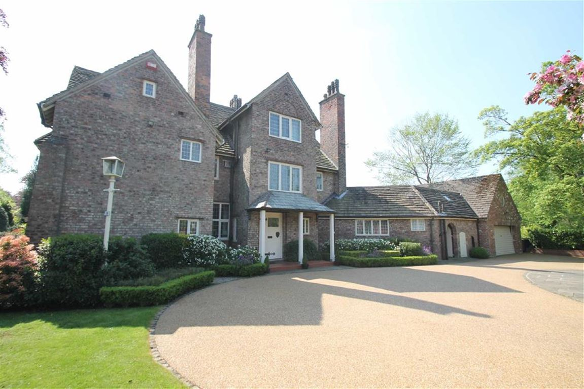 8 Bedrooms Detached House for sale in Hale Road, Hale