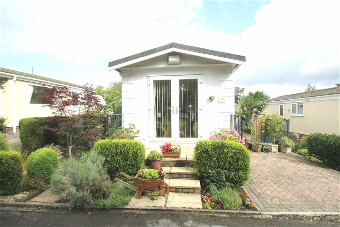 2 Bedrooms Park Home Mobile Home for sale in Agden Brow Park, Agden Brow, Lymm