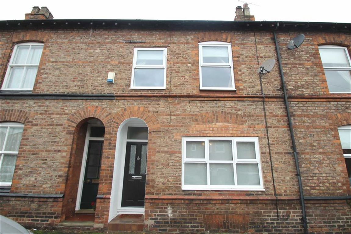 2 Bedrooms Terraced House for sale in Eaton Road, Bowdon, Altrincham
