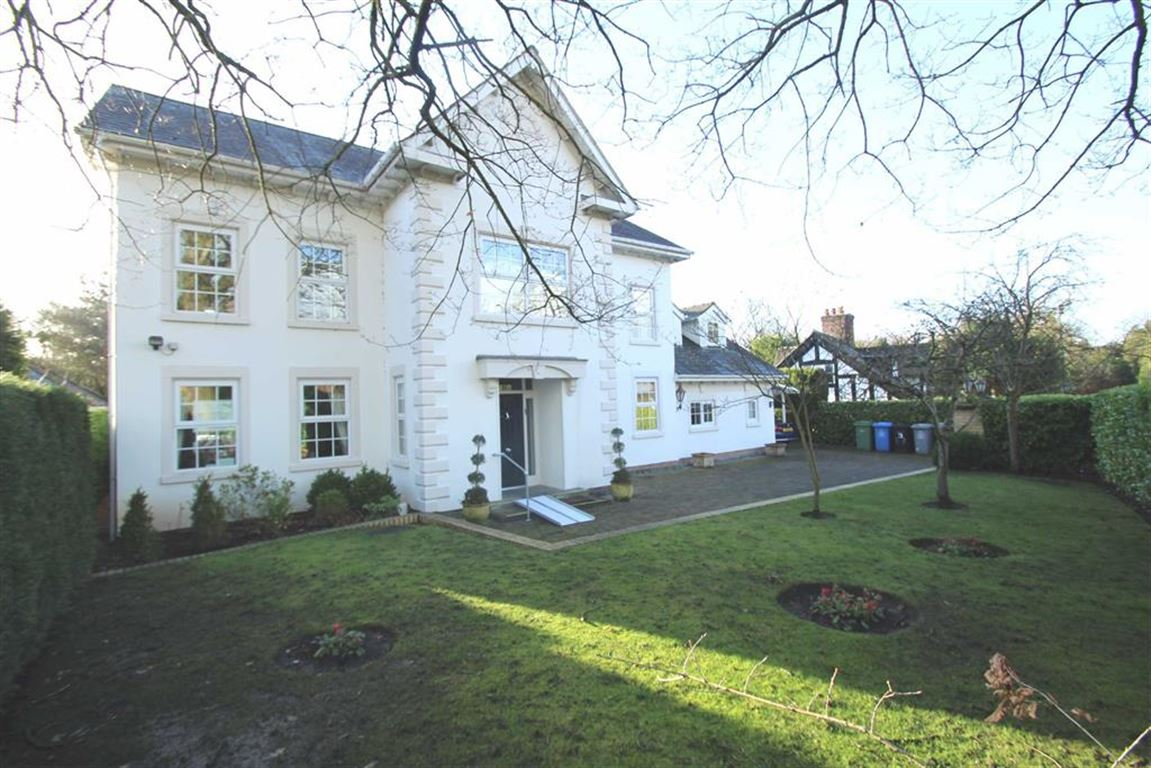 6 Bedrooms Detached House for sale in Hawley Lane, Hale Barns, Altrincham